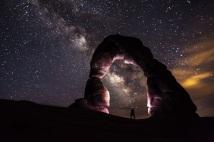 delicate-arch-night-stars-landscape-medium